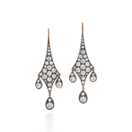 Signed Fred Leighton Old European Diamond Drop Earrings E1026-DIA